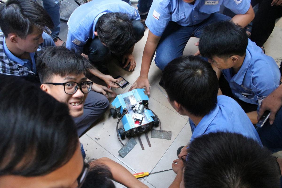Robot Sumo 3.jpg